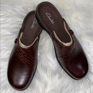 Clarks brown leathers wedger clog mules shoe 👞